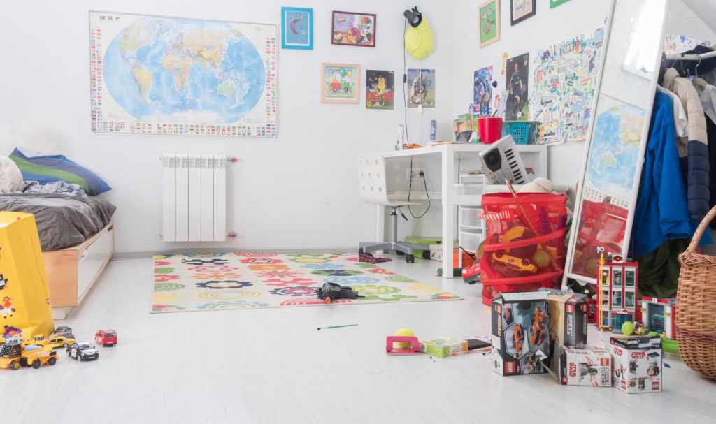 organize kids room